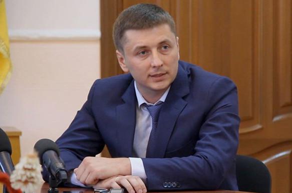 У Житомирській ОДА кажуть, що губернатор області Сергій Машковський виконав свою обіцянку й допоміг з ремонтом будинків сім'ям загиблих бійців.