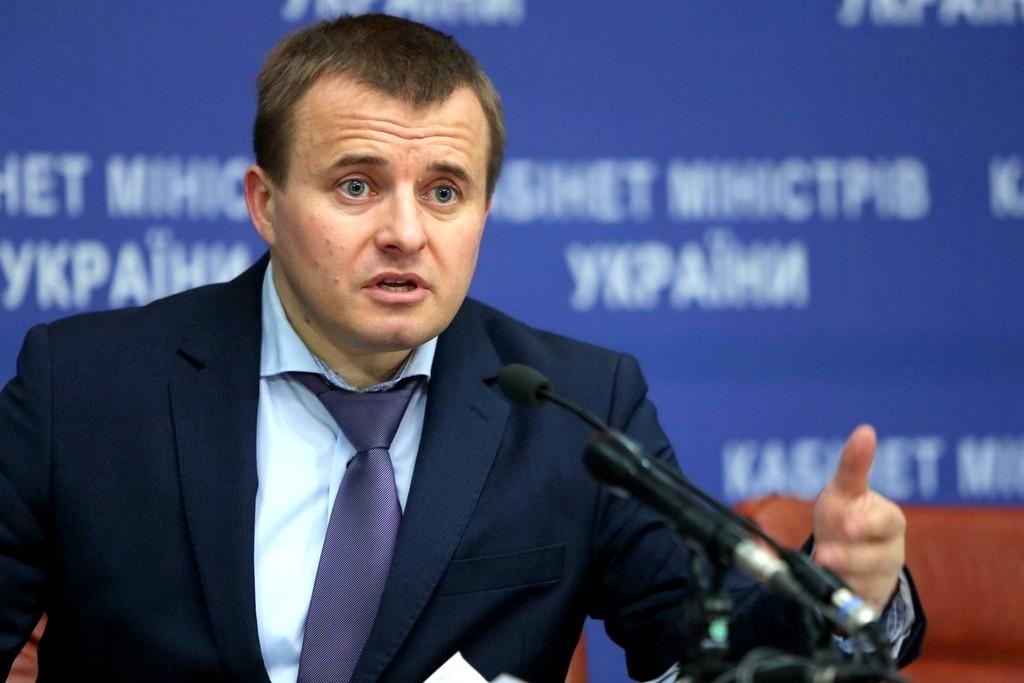 Україна все ще потребує російського газу, але купувати його може як напряму, так і реверсом, вважає міністр енергетики Володимир Демчишин.