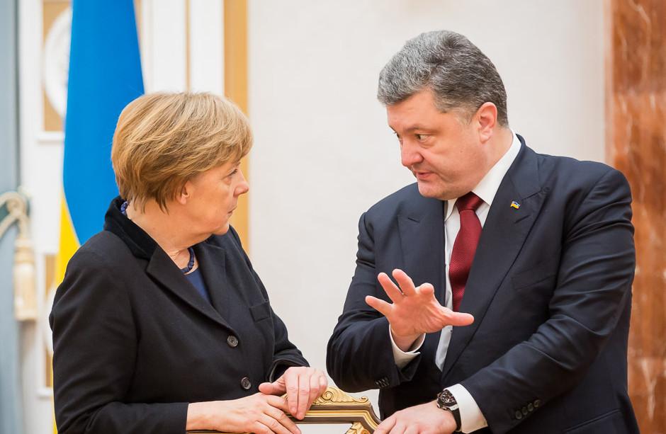 Президент України Петро Порошенко 1 лютого поїде з робочим візитом до Німеччини, де зустрінеться з Ангелою Меркель.