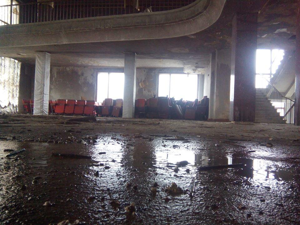 Чиновники та депутати так і не змогли забезпечити хоча б первинний аварійний ремонт погорілого Черкаського драмтеатру.