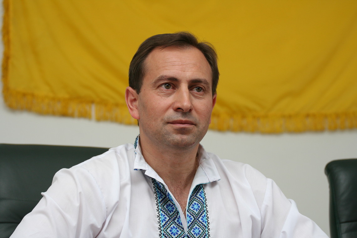Нардеп Микола Томенко заявив, що парламентарі виконують вказівки голів фракції, які кажуть їм, за які закони голосувати.