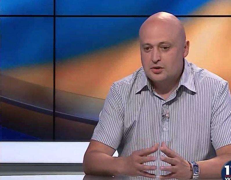 Політолог поділився міркуваннями з приводу інформації про те, що фракція Блоку Петра Порошенка має намір порушити питання про відставку трьох міністрів.