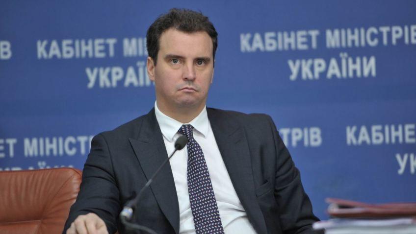 Наступного тижня детективи НАБУ планують допитати міністра економрозвитку Айвараса Абромавичуса та його заступників.