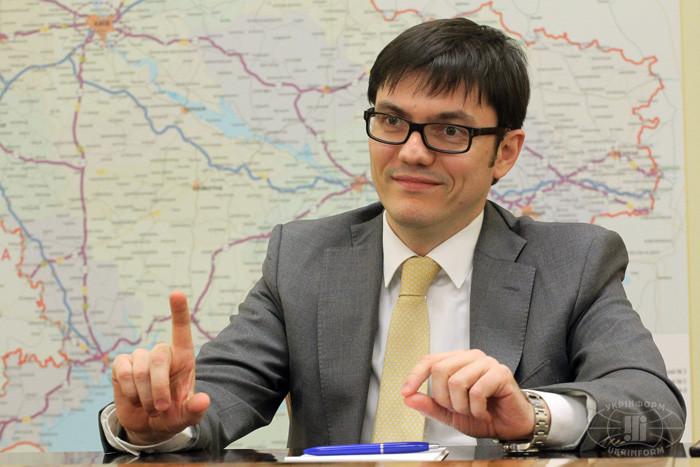 Перевезення Шовковим шляхом у бізнес-режимі можуть початися вже навесні цього року, причому час його подолання істотно скоротиться, пообіцяв міністр інфраструктури Андрій Пивоварський.