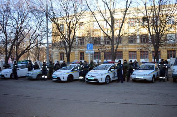 Нова патрульна поліція тепер з'явилася й на Донбасі: патрульні охоронятимуть спокій жителів Слов'янська та Краматорська.