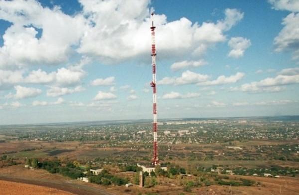 Торецьк (раніше Дзержинськ), що на Донеччині, отримав обладнання для трансляції українських телеканалів на території біля лінії зіткнення сил АТО та бойовиків, в тому числі й Горлівки.