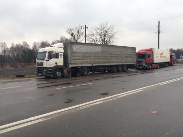 Активісти Волині приєдналися до закарпатських товаришів, які блокують на кордоні російські фури.
