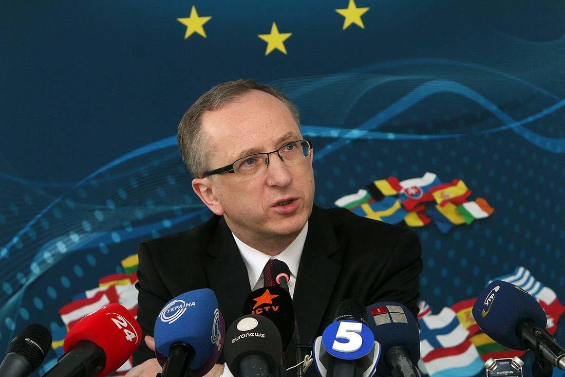 Представництво ЄС в Україні вважає, що зміни до закону про прокуратуру загрожують незалежності антикорупційного прокурора.