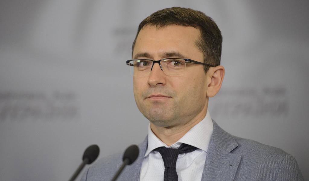 Народний депутат України від фракції «Народного фронту» Віктор Романюк не виконав чергову передвиборчу обіцянку