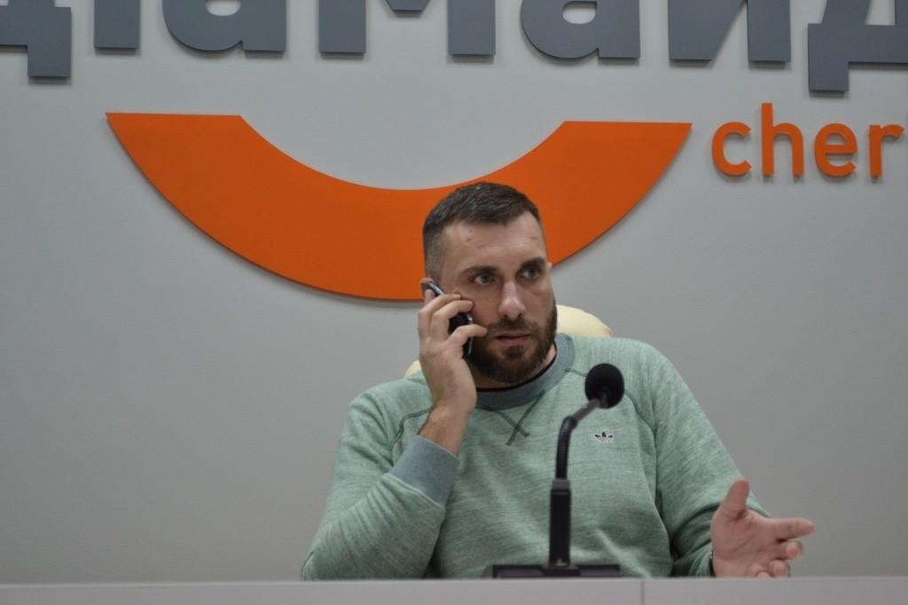 Депутат пропрезидентської фракції Петренко так і не розробив обіцяний проект закону щодо виховання молоді.