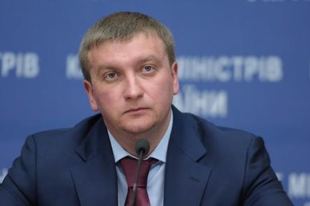 Місцева влада має намір затягувати процес передачі повноважень з реєстрації бізнесу з Києва в регіони.