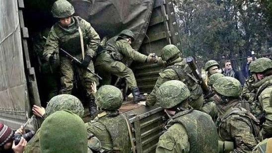 Російська Федерація поповнила свої армійські корпуси на Донбасі живою силою та декількома одиницями бронетехніки.