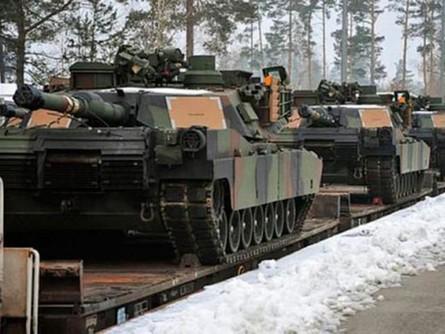 Україна в 2015 році продовжила експорт товарів військового призначення до Російської Федерації. За даними SIPRI, в 2015 році цей показник склав $72 млн проти $155 млн у 2014 році.