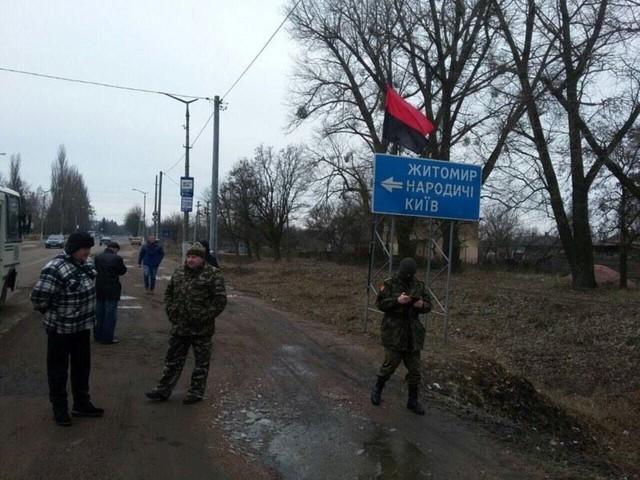 Попри рішення уряду, ВО «Свобода» продовжує мирні акції протесту із заборони транзиту російських вантажівок українською територією.