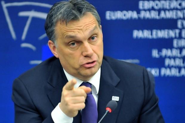 На думку Орбана, в кінці першого півріччя цього року можна чекати серйозної дискусії в ЄС щодо реалізації Мінських домовленостей.