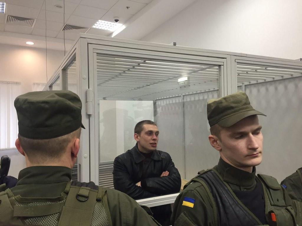 Апеляційний суд Києва відправив патрульного поліцейського Сергія Олійника під домашній арешт.