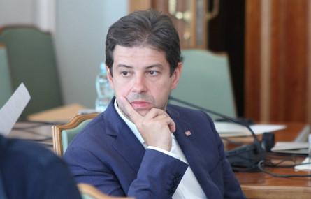 Нардеп от фракции Блока Петра Порошенко Сергей Алексеев дал возможный прогноз дальнейшего развития политических событий в стране