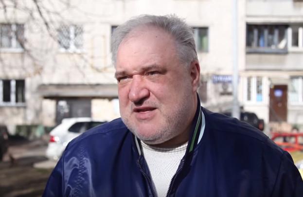 Минулого року перший заступник глави Адміністрації Президента Віталій Ковальчук пообіцяв, що 220-тисячний депутатський корпус в Україні буде скорочений мінімум на 30%.