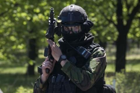 Українська розвідка заявила, що Російська Федерація направила на окуповані території Донбасу до бойовиків комісію з метою приховати війська РФ.