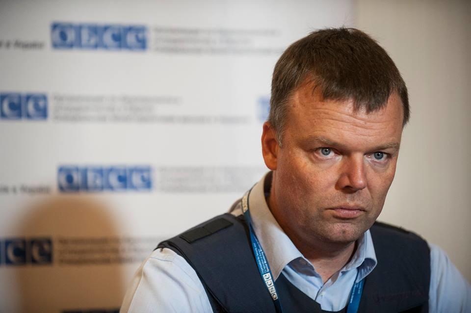 Моніторингова місія ОБСЄ, що діє на території зони АТО на сході України, зафіксувала зникнення відведеної військової техніки.