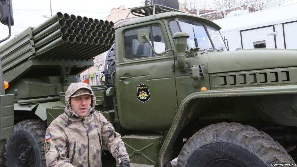 Ешелон з Російської Федерації привіз «Гради» та танки в окуповану незаконними збройними формуваннями Макіївку.