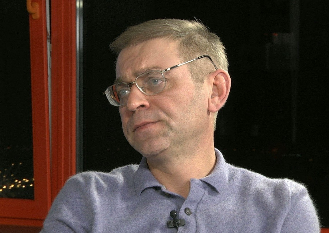 Пашинський вважає, що подати у відставку дуже просто, але потрібно навчитися, роблячи один крок, планувати наступний.