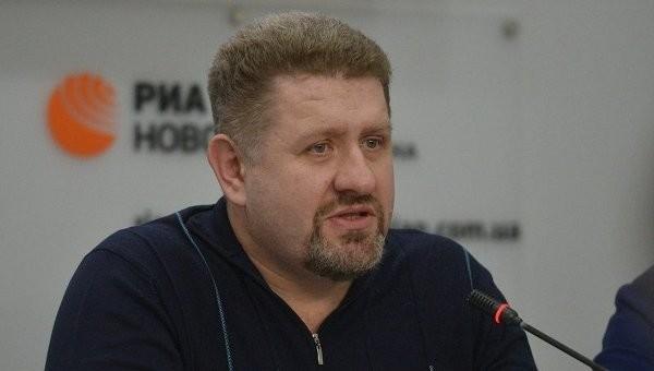 Експерт пояснив, що завадить Яресько стати новим прем'єром, як Яценюк перевищує свої повноваження та чому Гройсман має найкращу перспективу для прем'єрства.