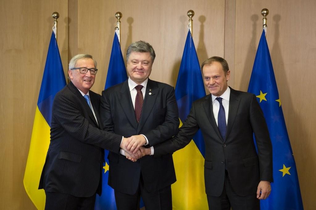 Чиновники Європейського Союзу сподіваються у квітні подати пропозицію щодо візової лібералізації для України.