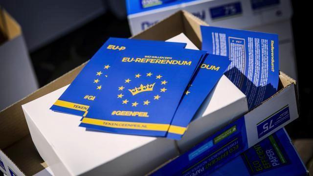 Завдяки деяким кампаніям, що направлені на підтримку української асоціації з ЄС, результати референдуму майже зрівнялися.
