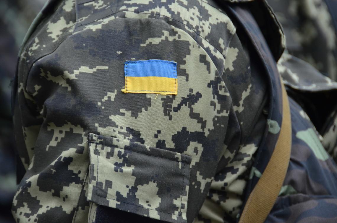 Внаслідок підриву проросійськими бойовиками вантажівки зі службовцями ЗСУ загинули двоє українських бійців.