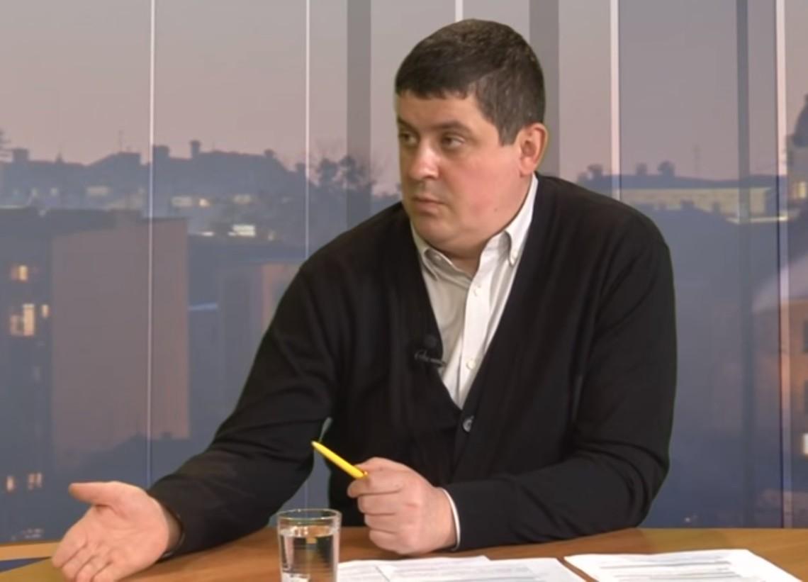 Більше того, в майбутні два роки провести вибори на окупованих територіях Донбасу технічно буде неможливо.