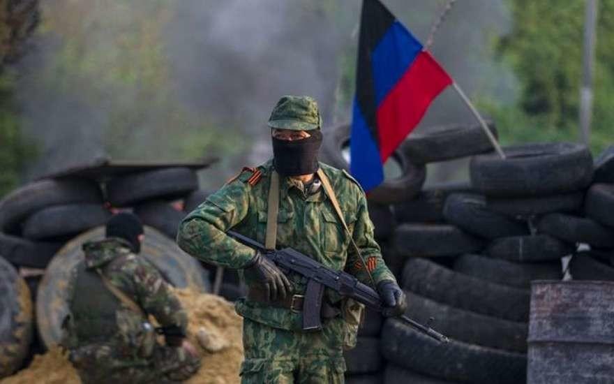 Станом на 9 березня армія самопроголошених республік ДНР і ЛНР налічувала понад 35 тисяч бойовиків і кілька тисяч одиниць військової техніки.