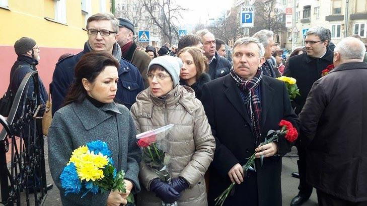 У Києві нарешті придали землі тіло відомого українського журналіста Георгія Гонгадзе, вбитого 16 років тому.