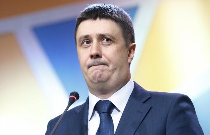Незалежна асоціація телерадіомовників звинуватила міністра культури В'ячеслава Кириленка в порушенні етики поведінки державного службовця.