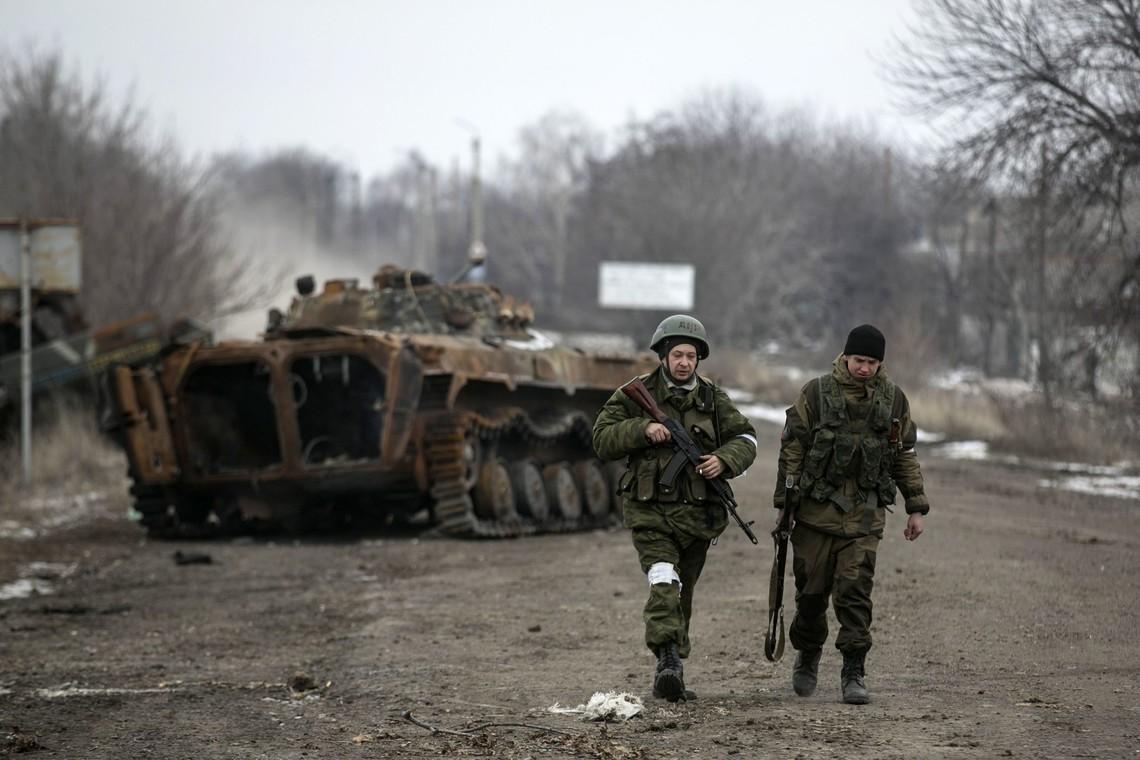 Сепаратисти продовжують ігнорувати будь-які мирні домовленості, в тому числі відведення мінометів калібром більше 100 мм.