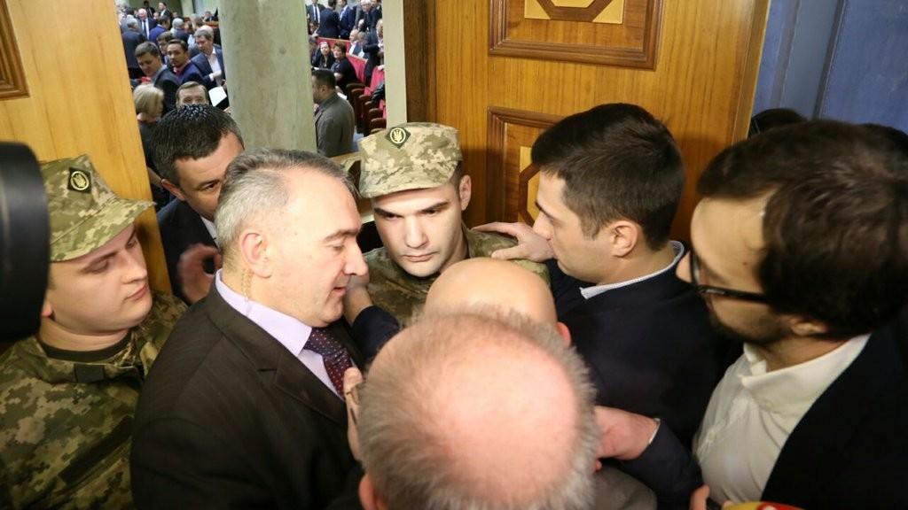Голова Верховної Ради Володимир Гройсман зачитав прізвища депутатів, які були позбавленні мандата народного депутата.