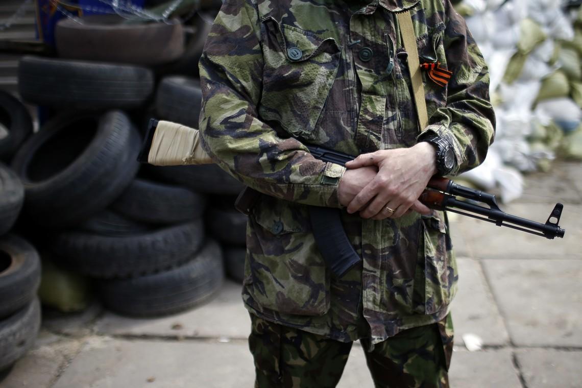 Між бойовиками так званої ДНР сталася перестрілка, в результаті якої двоє сепаратистів отримали поранення.