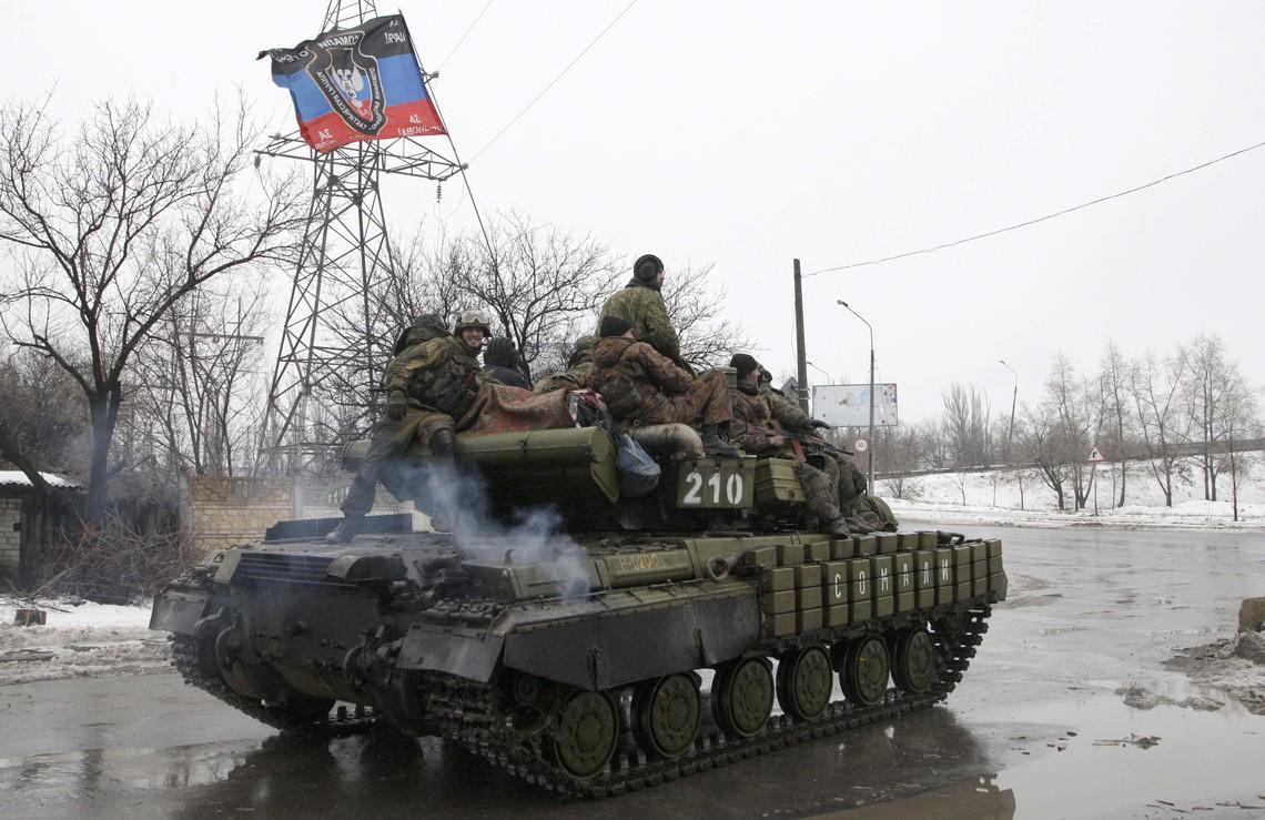 Проросійські бандформування продовжують ігнорувати усі режими припинення вогню та мирні переговори.