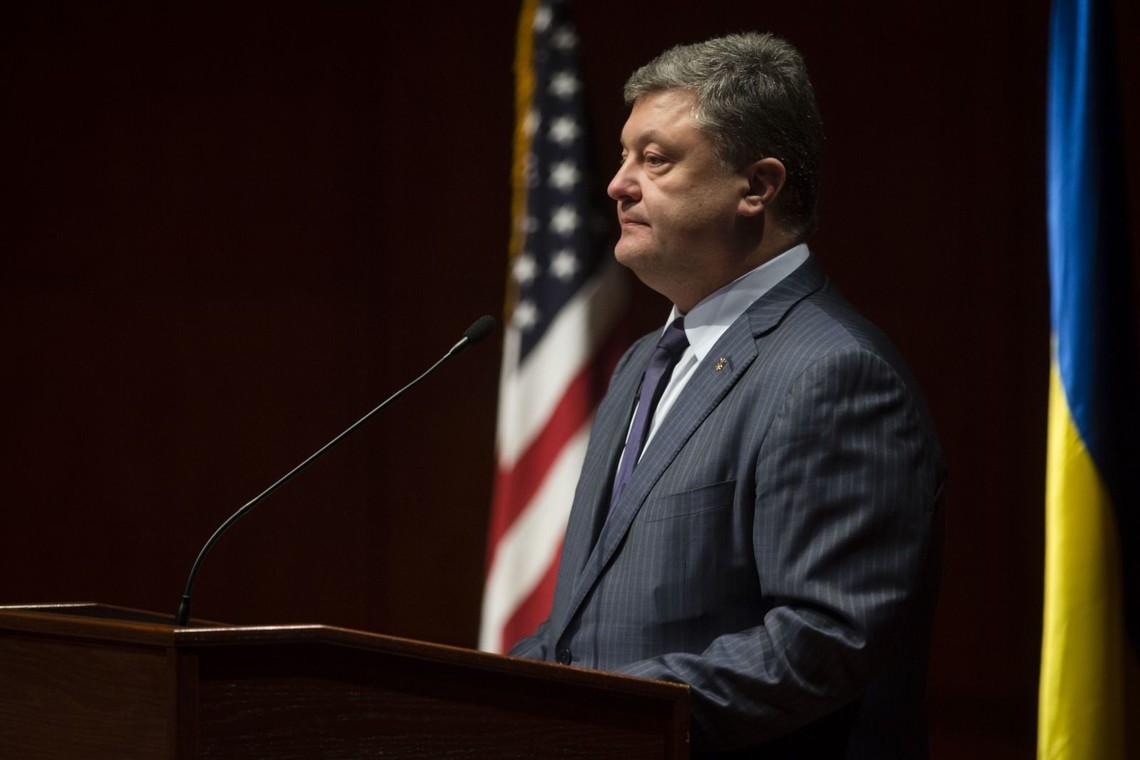 Основними корупційними гніздами в Україні є органи прокуратури та суди. Хто б не очолював вертикаль влади в Україні, ці два компоненти незмінно використовувалися для здійснення політичного контролю та зведення рахунків з опонентами.