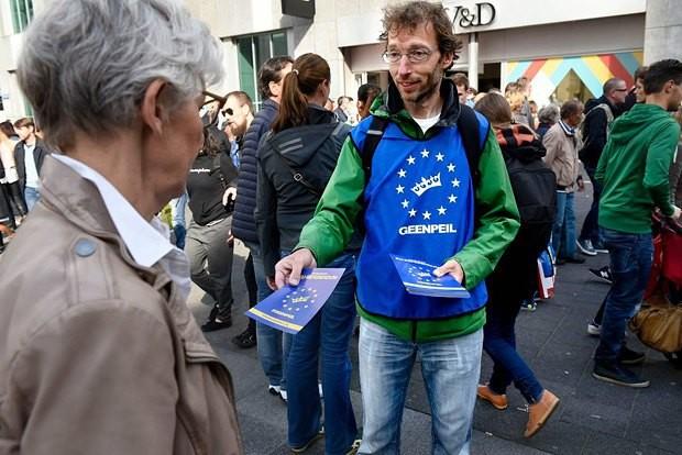 На референдумі в Нідерландах щодо ратифікації Угоди про асоціацію Україна-ЄС 61 відсоток громадян проголосував проти.