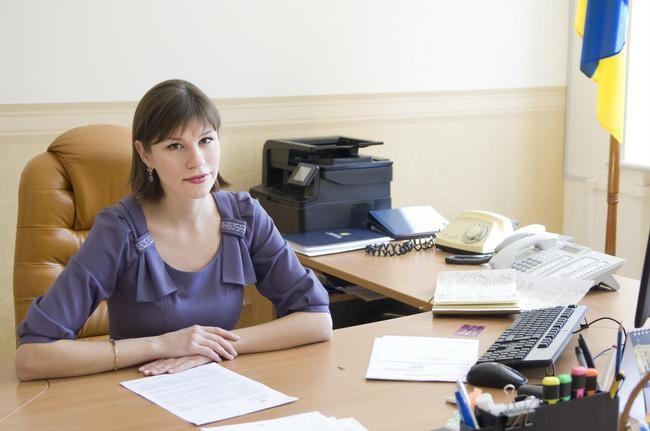В очікуванні відставки члени нинішнього Кабміну не поспішають реалізовувати нові проекти, сказала Онищенко.