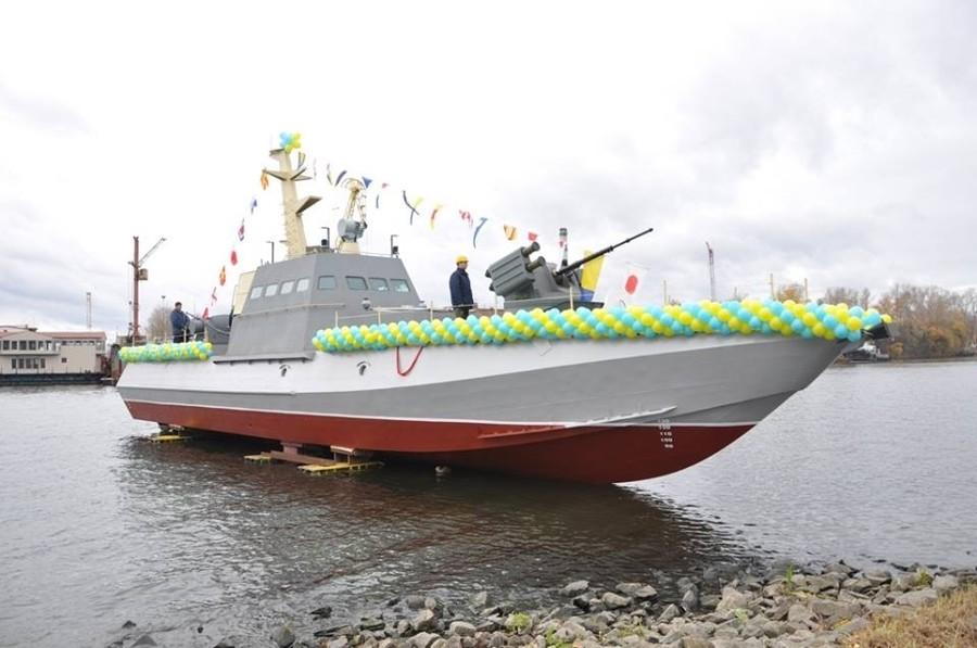 Це не перше будівництво катерів подібного типу. Перші два катери Гюрза-М для Одеського дивізіону були закладені на Ленінській кузні в жовтні 2012 року.