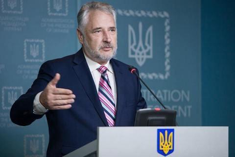 Павло Жебрівський розповів, що РФ здатна вести активні настання не тільки на Донецькому напрямку і Україна поки що не готова до протистояння у відкритій війні.