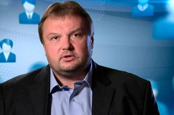 Народний депутат України від фракції БПП Вадим Денисенко заявив, що його фракція буде голосувати за відставку Яценюка.
