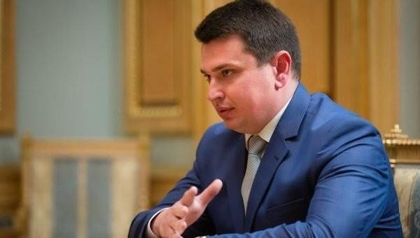 Національне антикорупційне бюро України має намір перевірити причетність Гонтаревої і Труханова до офшорного скандалу.