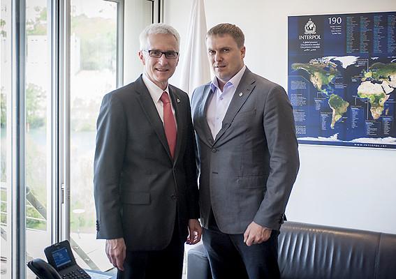 Представники керівництва Національної поліції України зустрілися з генеральним секретарем Інтерполу.