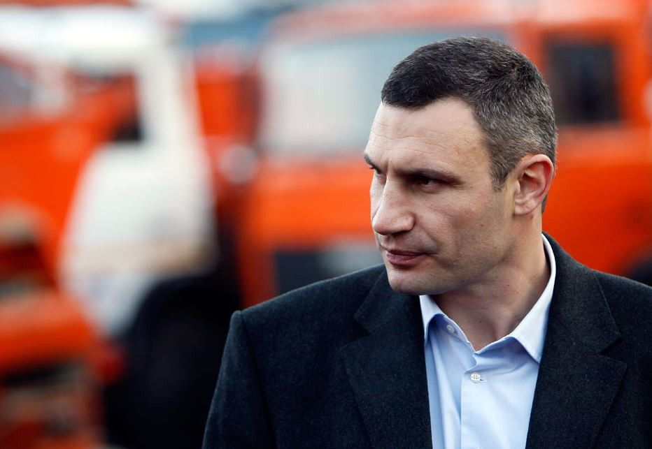 Кличко підкреслив, що Київрада також має ухвалити рішення про заборону продажу алкоголю в магазинах і торгових мережах.