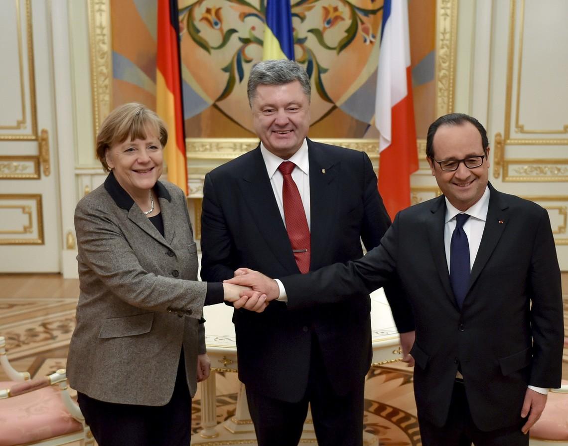 Франція та Німеччина висловили абсолютну підтримку Президенту Порошенку та прем'єр-міністру Володимиру Гройсману.