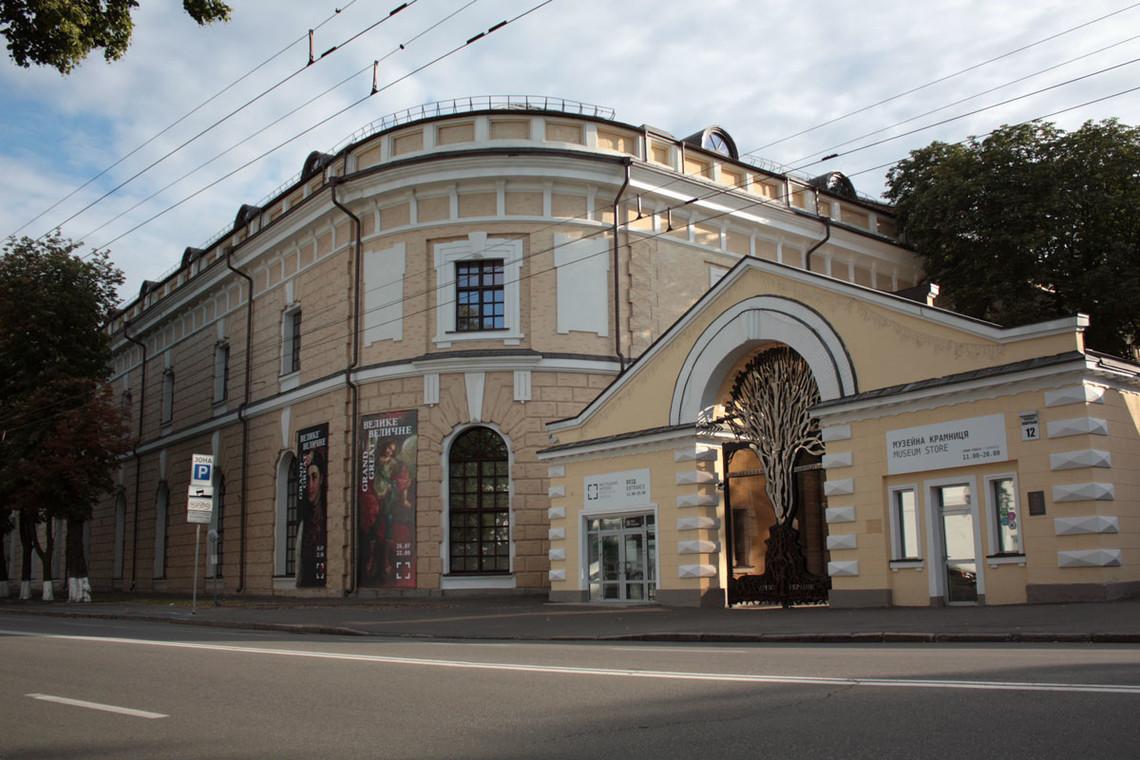 П'ять відомих українських культурних діячів написали звернення до Президента України Петра Порошенка.