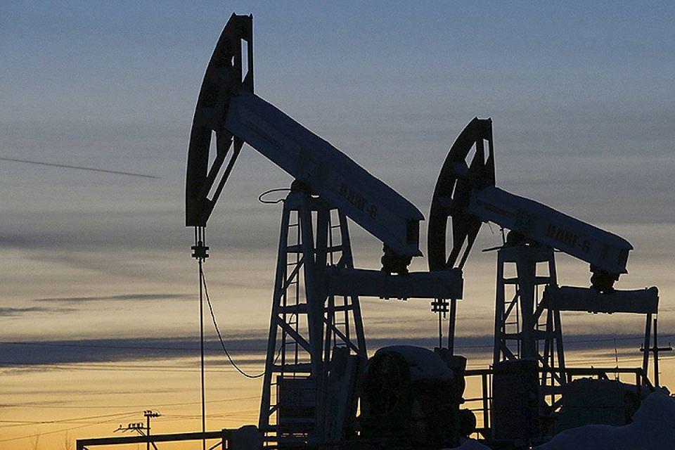 Основне протиріччя полягає в тому, що представники Саудівської Аравії згодні заморозити рівень видобутку нафти на показниках січня цього року лише разом з усіма членами ОПЕК, в тому числі й Іраном. Як відомо, Іран на зустрічі в Досі навіть не був представлений.